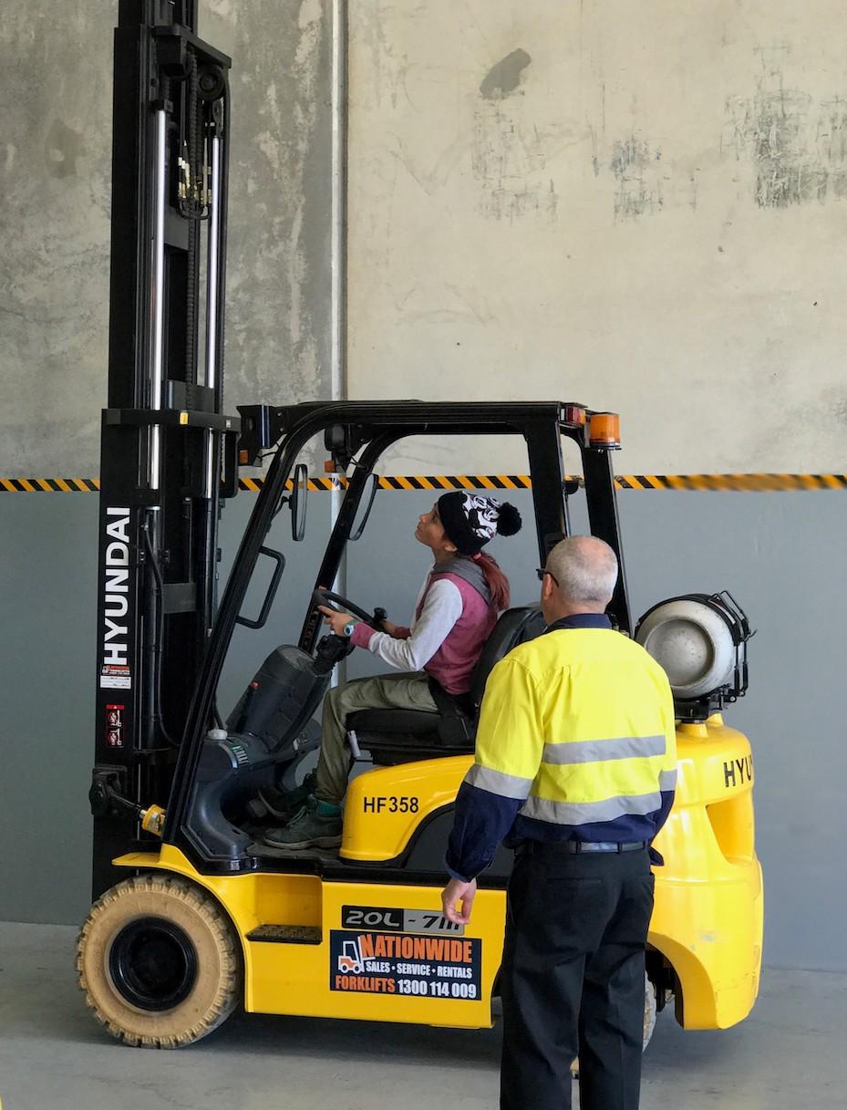 https://www.onestoptraining.com.au/app/uploads/2020/11/Forklift-Training-Murarrie.jpg